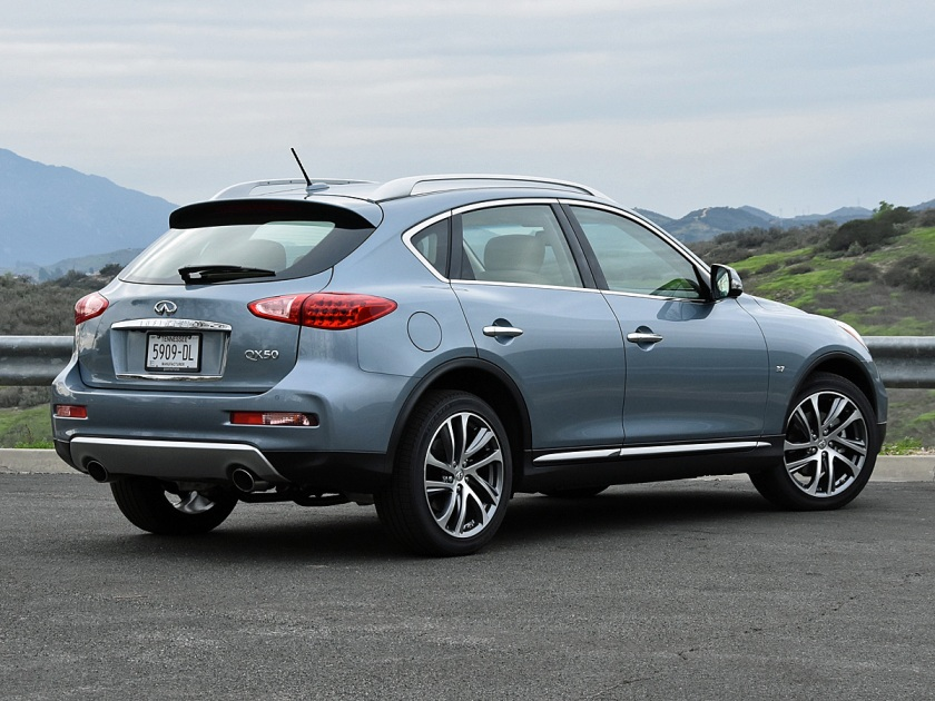 2017 Infiniti QX50 rear photo