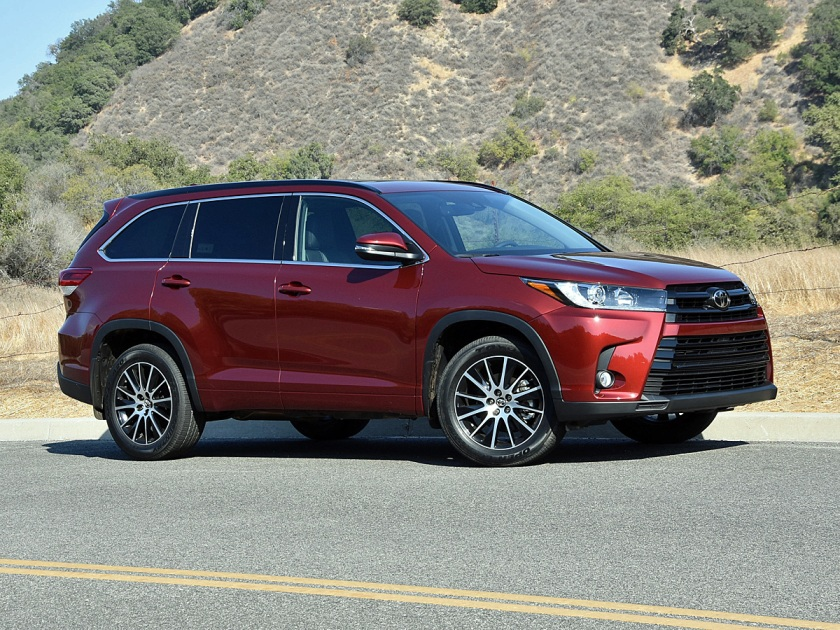 2017 Toyota Highlander SE Dark Red