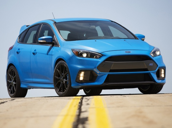 2017 Ford Focus RS in Nitrous Blue