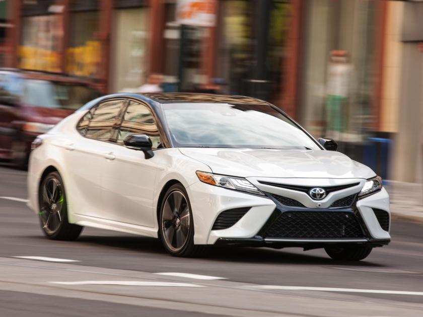 2018 Toyota Camry XSE V6 in White